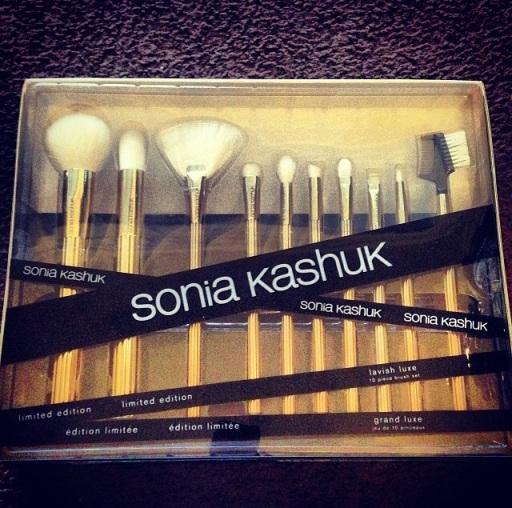 SK Lavish Luxe Brush